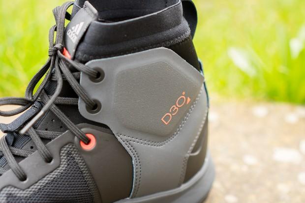 Five Ten Trail Cross Mid Pro MTB shoe D30 ankle protection