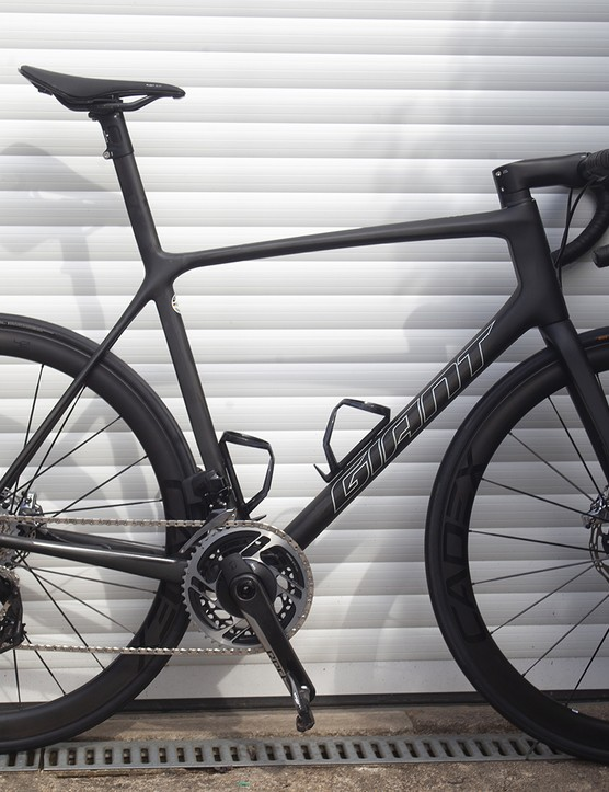 The Advanced SL 0 disc black road bike