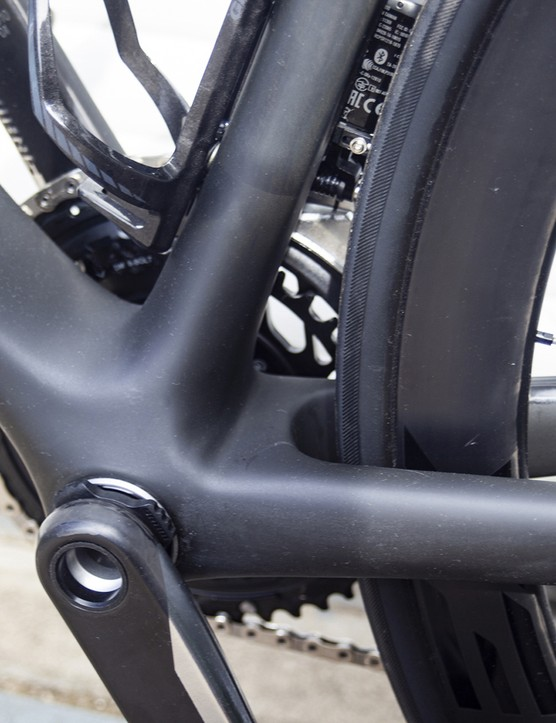 Bottom bracket on the 2021 version of the Giant TCR Advanced SL