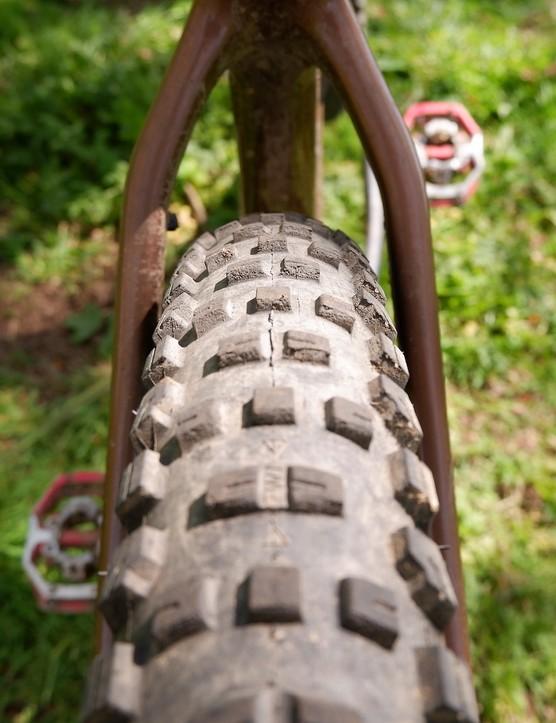 santa cruz chameleon tyre profile