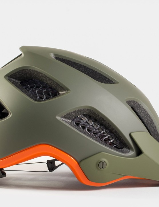 Bontrager Rally WaveCel side.