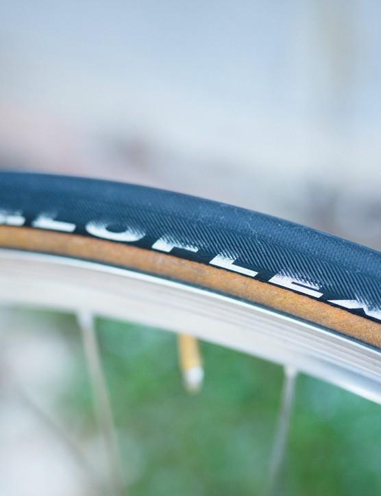 Veloflex Master 25 open tubular tyre with latex inner tube