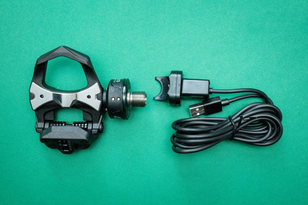 Favero Assioma Duo powermeter pedal and charger lead