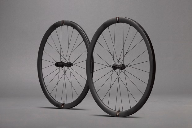 Reserve 35 road wheels