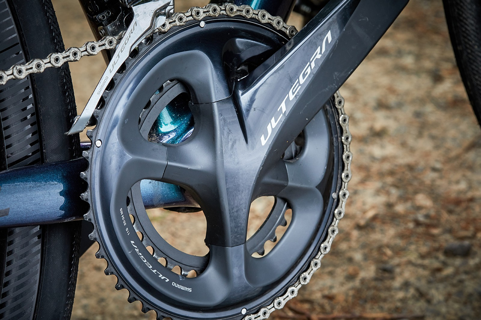 A full Ultegra groupset is found on the Liv Avail Advanced Pro 2 women's road bike