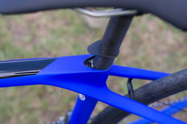Hidden seat clamp