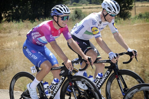 Remco Evenepoel and Sam Bennett riding the Specialized S-Works Tarmac SL7 at Vuelta Burgos