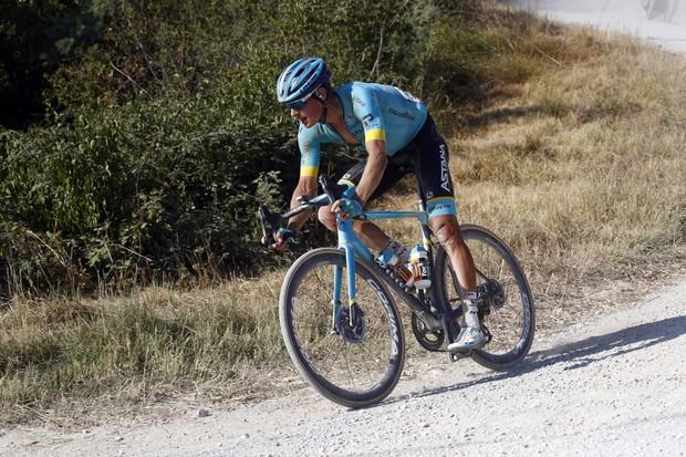 Jakob Fuglsang riding Strade Bianche 2020