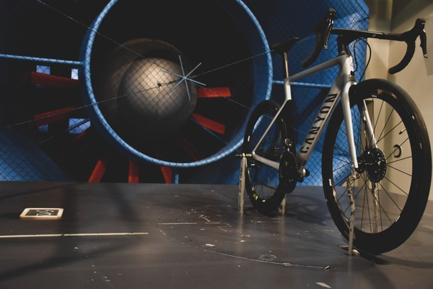 Hunt 48 Limitless Aero Disc wheelset in the wind tunnel