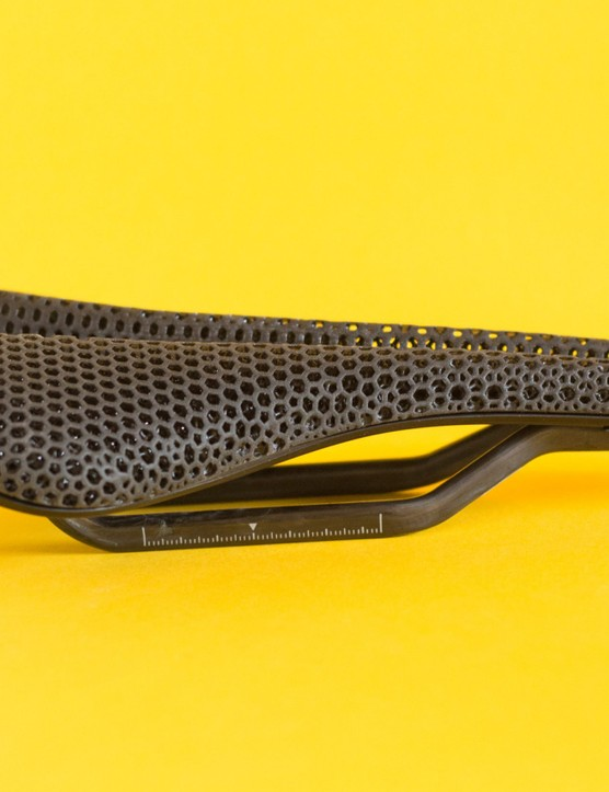 Fizik 3D-printed saddle