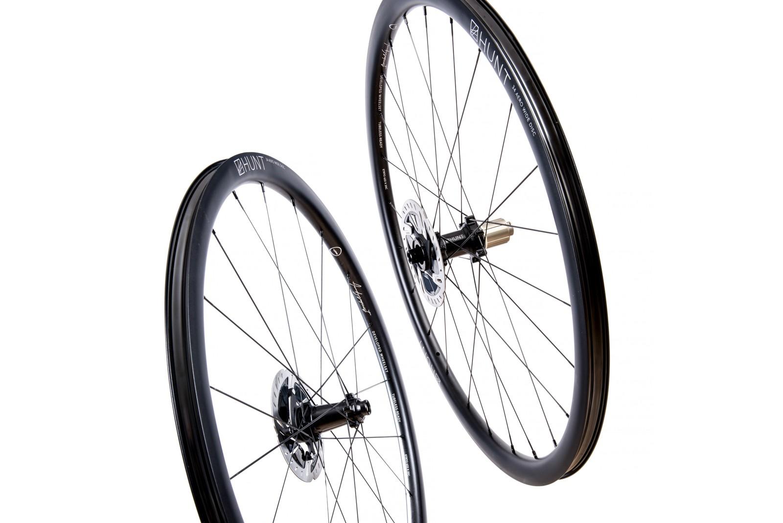 Hunt 34 Aero Wide Disc wheels