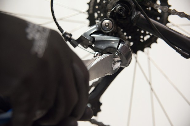 How to maintain and replace your bike's brake and gear cables
