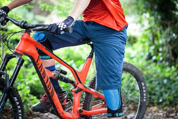 Garde-genouxBliss Protection et short de VTT Madison