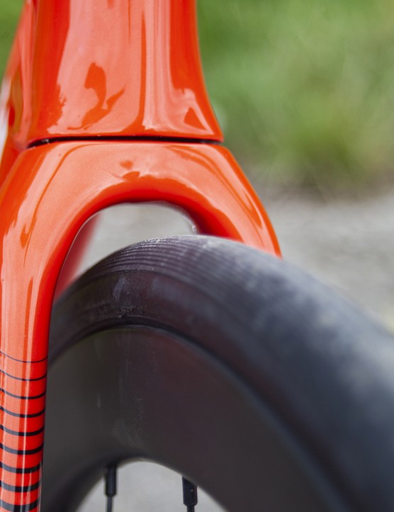 Wilier Cento10 SL Ultegra Di2 fork and tyre clearance