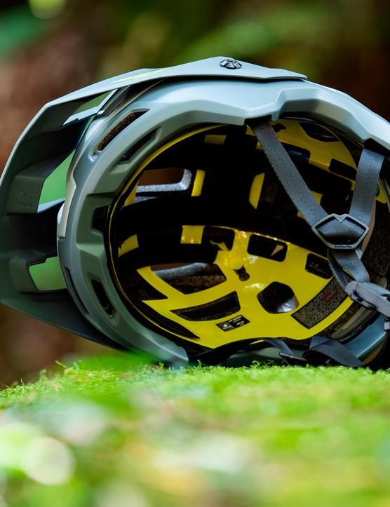 Met Bluegrass Rogue Core MIPS helmet