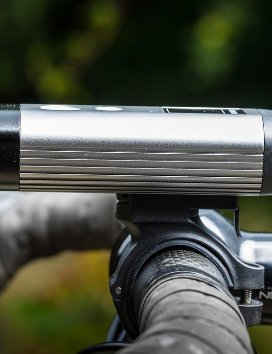 Side on view of the Ravemen PR1200 front light for road cycling