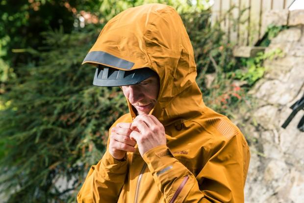 Endura waterproof jacket neck detail