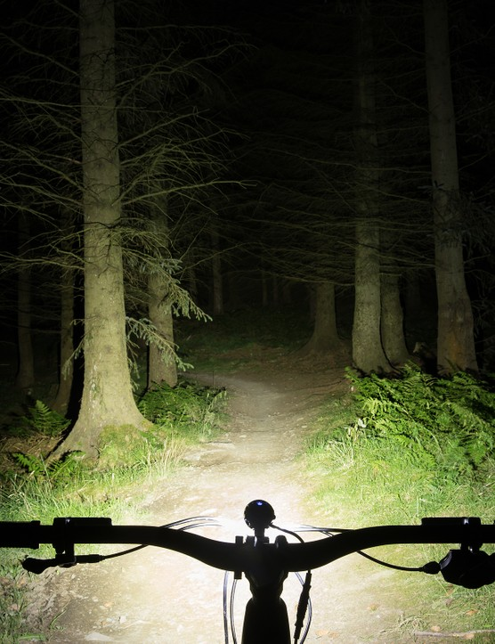 Hope R4+ LED mountain bike front light beam shot
