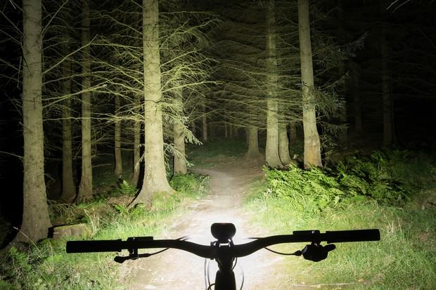 Magicshine Monteer 8000S mountain bike front light beam shot