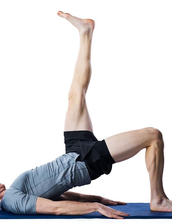 Single-leg glute bridges - An exercise to strengthen your knees
