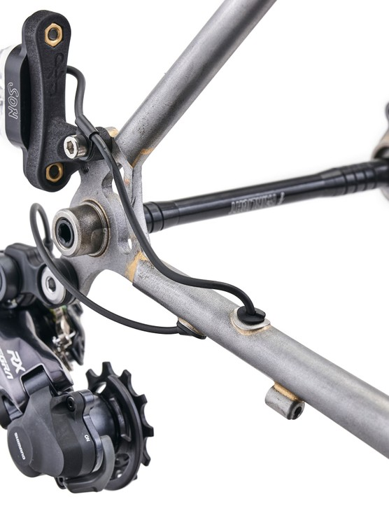 Di2 rear derailleur and rear light mounted