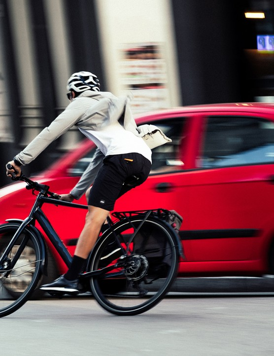 Make cyclist commuting on a Orbea Vibe eBike