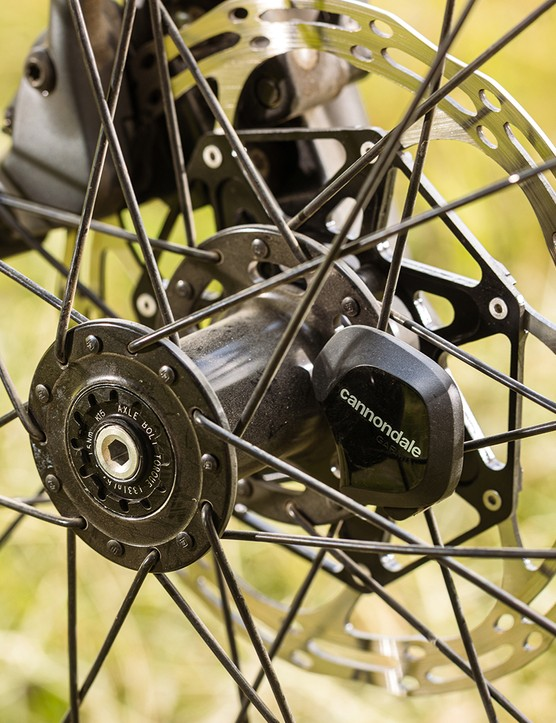 The Cannondale Wheel Sensor on the Cannondale Topstone Neo Carbon 1 Lefty transmits data to an app on your phone