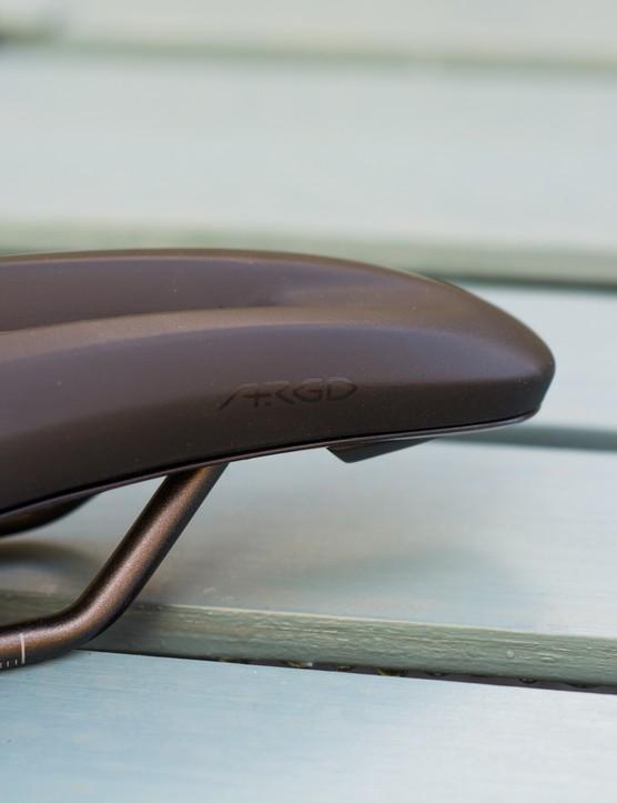 Argo logo on saddle nose.