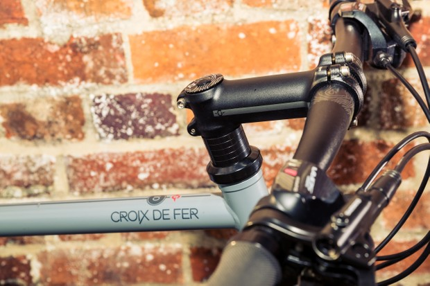 Genesis Croix de Fer 10 Flat Bar