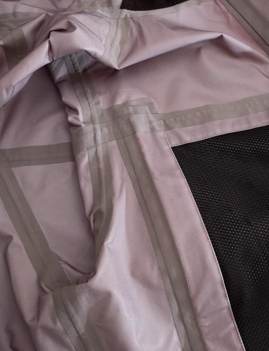 Madison DTE 3-layer Waterproof Storm jacket inside