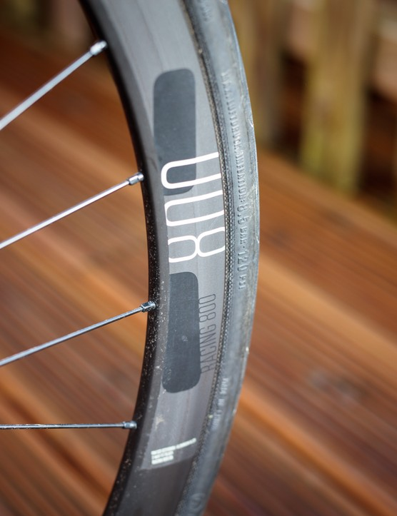 The wheelset uses semi-aero alloy rims, with a 34mm depth, a 24.5mm external width and a 19mm internal width. They can be made tubeless ready, but you'll need to purchase tape and valves.