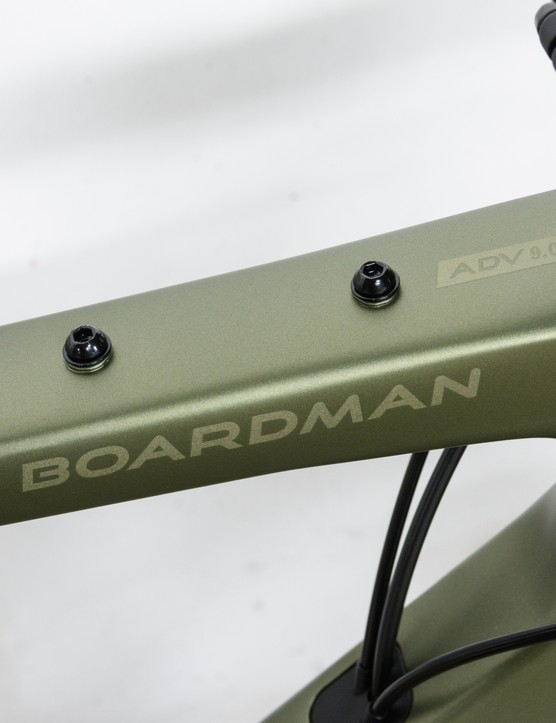 Boardman ADV 9.0 top tube mounts