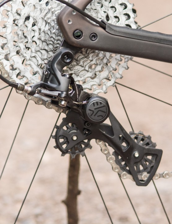The derailleur copes well with the huge cassette.