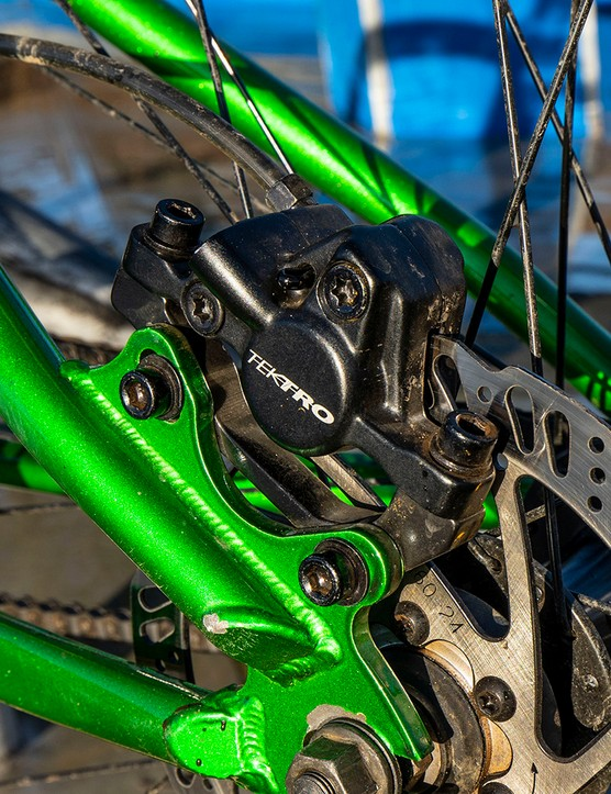 Tektro M275 hydraulics disc brakes on the DMR Sect jump bike