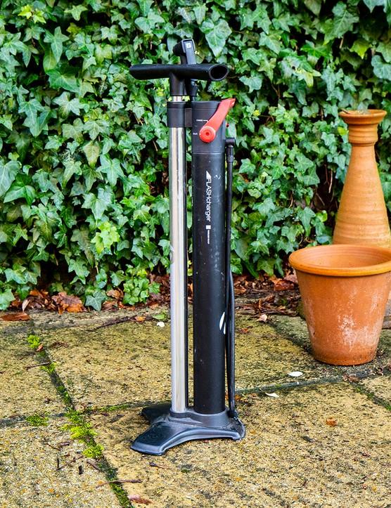 Bontrager TLR Flash Charger tubeless pump