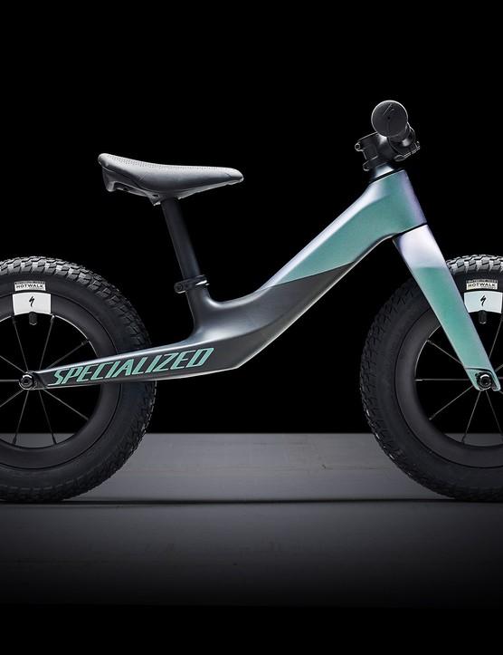 Side profile of Hotwalk Carbon