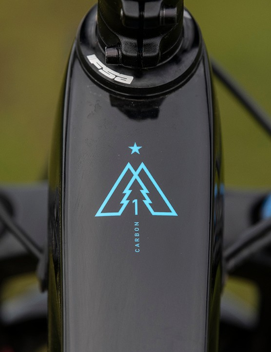 The Marin Alpine Trail Carbon 1 and Carbon 2 models feature unidirectional carbon fibre front triangles, matched to Series 4 6061 alloy rear ends