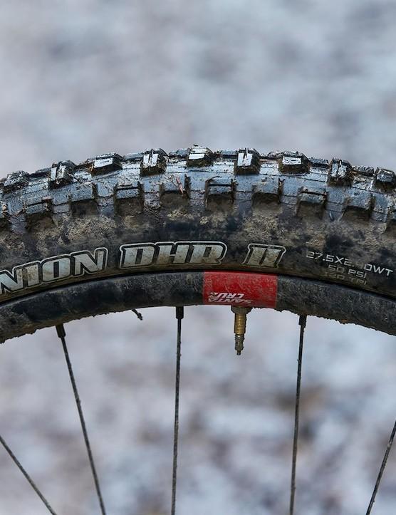 The Santa Cruz Nomad CC X01 RSV full suspension mountain bike uses a Minion DHRII rear tyre