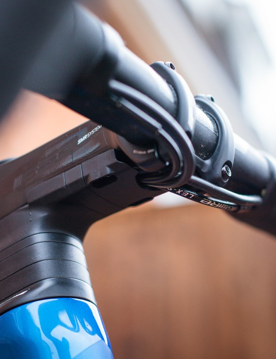 Merida Reacto 6000 cable routing under stem