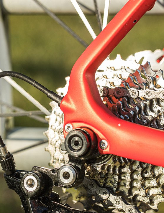 Tifosi Scalare Disc road bike has a Shimano 105 11-32 cassette
