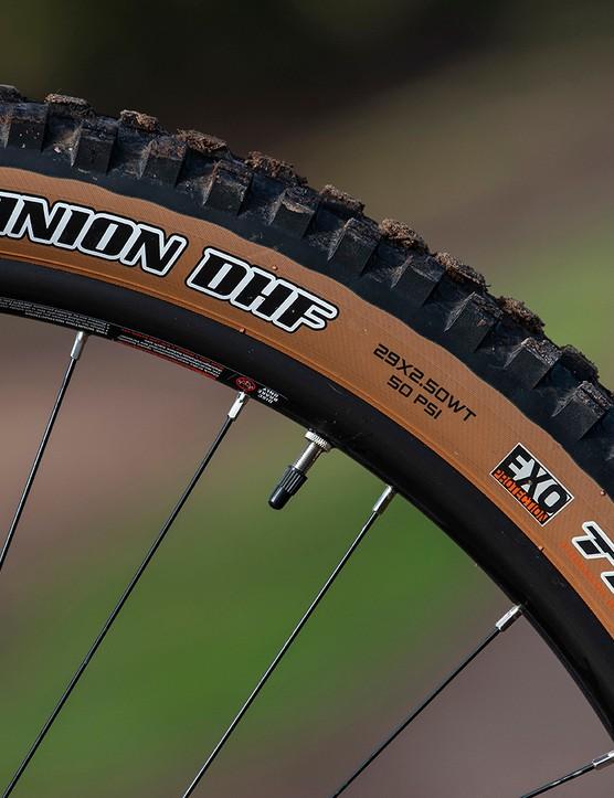 Maxxis Minion tyres on the Boardman MTR 9.0 full suspension mountain bike
