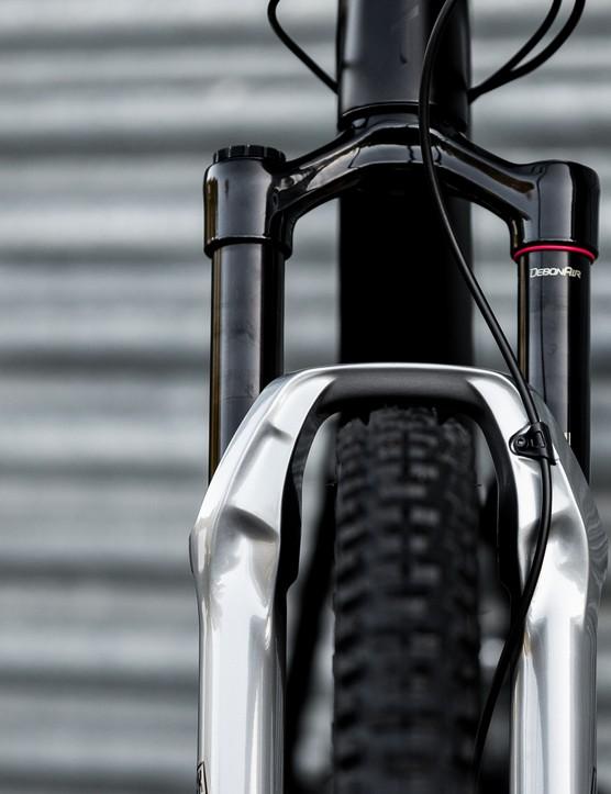 2020 YT Blaze Izzo bike photos
