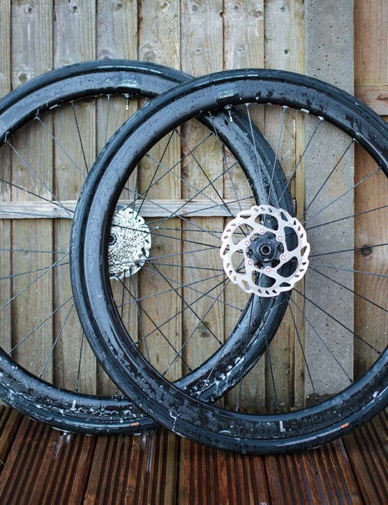 Cadex Classics tubeless tyres on Giant SLR1 carbon wheels