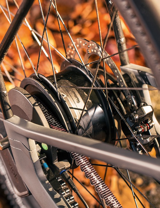 Enviolo Automatiq Sport hub on the Canyon Precede ON CF 9 eBike boasts a very wide gear range
