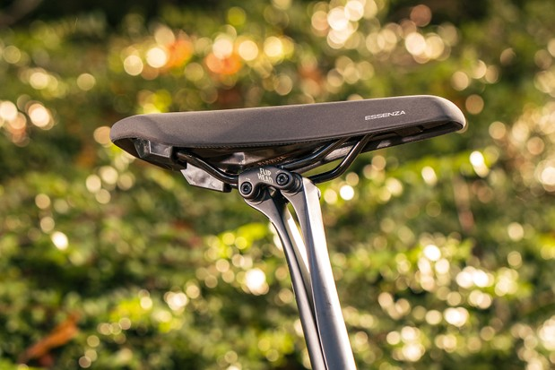 Fizik Essenza saddle sitting on Canyon's clever leaf-spring seatpost