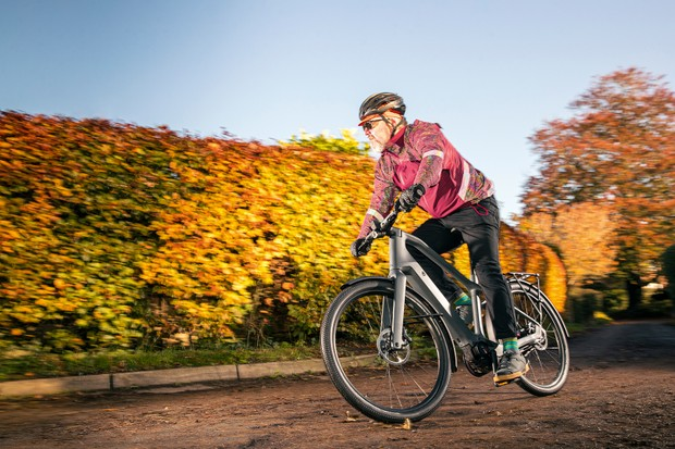 Male cyclist riding the Canyon Precede ON CF 9 ebike
