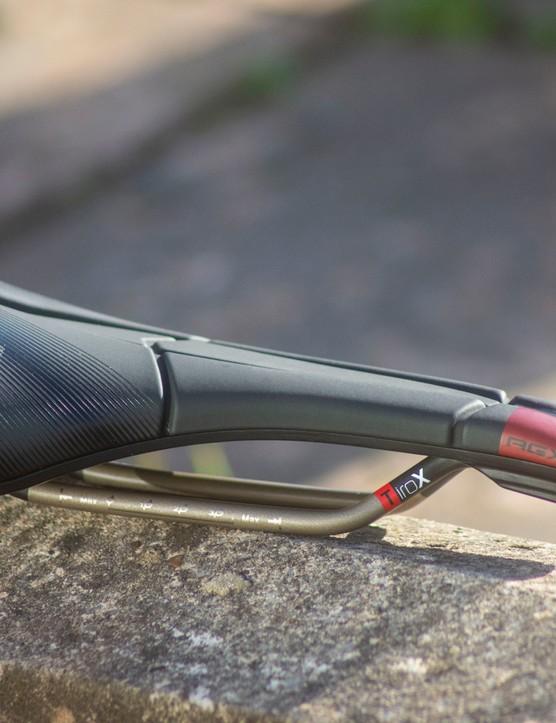 Prologo Scratch M5 AGX saddle