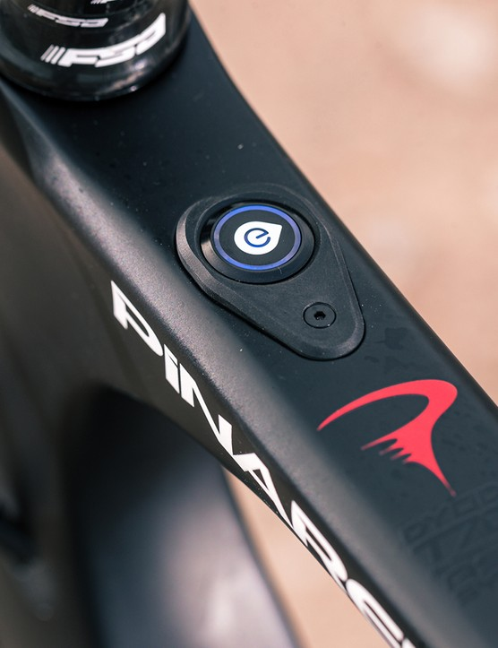 FSA HM 1.0 control is situated in the top tube