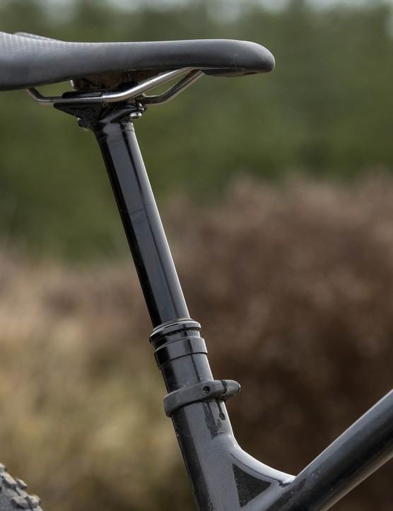 TranzX, 150mm dropper post on the Trek Slash 8 full suspension mountain bike