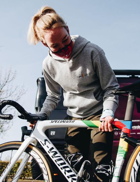 Anna van der Breggen with her custom painted Specialized S-Works Tarmac SL7